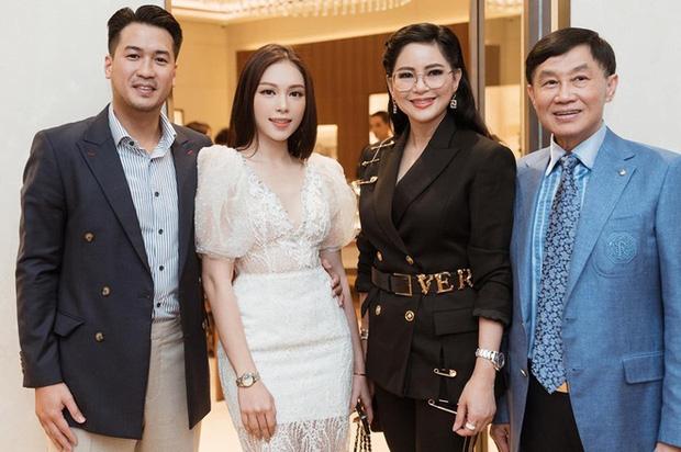 Hồ sơ tình ái trải đầy bóng hồng showbiz của thiếu gia quyền lực Phillip Nguyễn - Ảnh 12