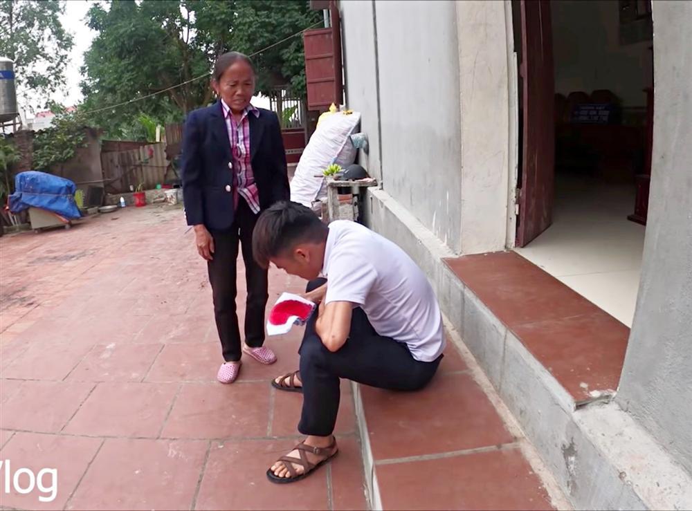 Tưởng ra lò clip mới, ai ngờ con trai bà Tân Vlog bị bóc phốt gian dối khán giả - Ảnh 2