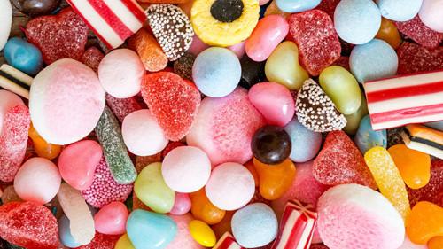 Ở nhà tránh dịch: Bố mẹ chú ý không cho trẻ ăn quá hàm lượng đường được khuyến cáo - Ảnh 2