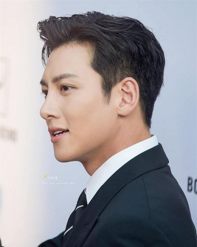 10 nam diễn viên xứ Hàn có cát-xê 'khủng' nhất hiện tại: Song Joong Ki gần cuối bảng, vị trí thứ nhất là ai? - Ảnh 1