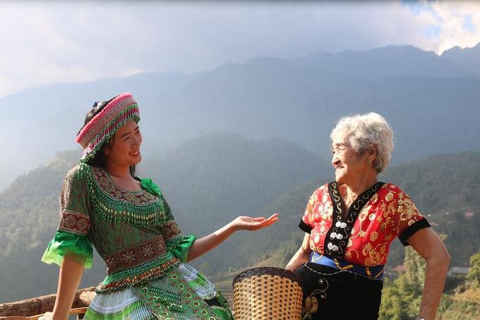Cụ bà 81 tuổi chinh phục đỉnh Fansipan - Ảnh 10