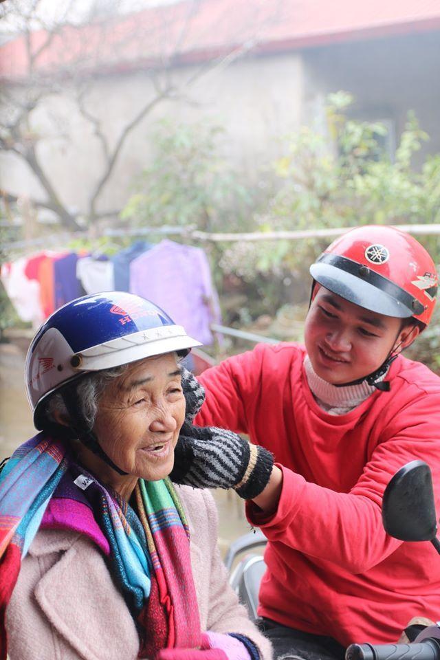 Cụ bà 81 tuổi chinh phục đỉnh Fansipan - Ảnh 11