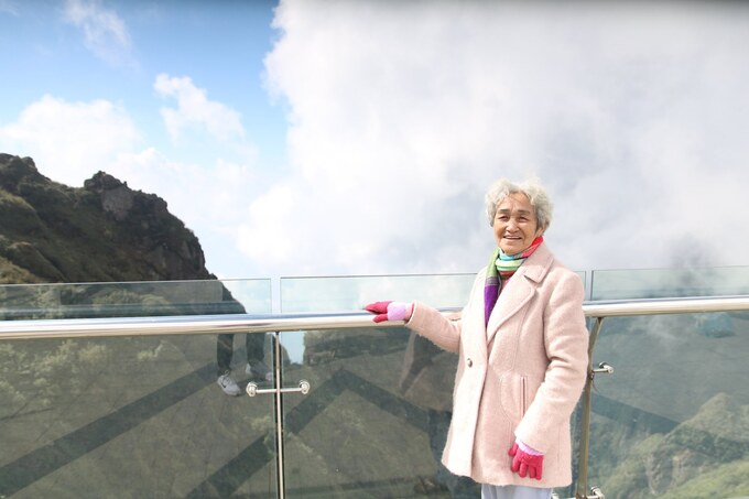 Cụ bà 81 tuổi chinh phục đỉnh Fansipan - Ảnh 6