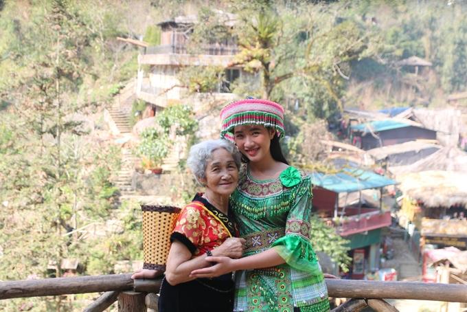 Cụ bà 81 tuổi chinh phục đỉnh Fansipan - Ảnh 9