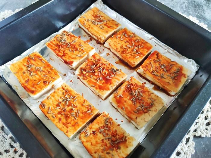 Chán rán hoặc sốt cà chua, cho đậu phụ vào nướng lại được món ngon bất ngờ - Ảnh 5