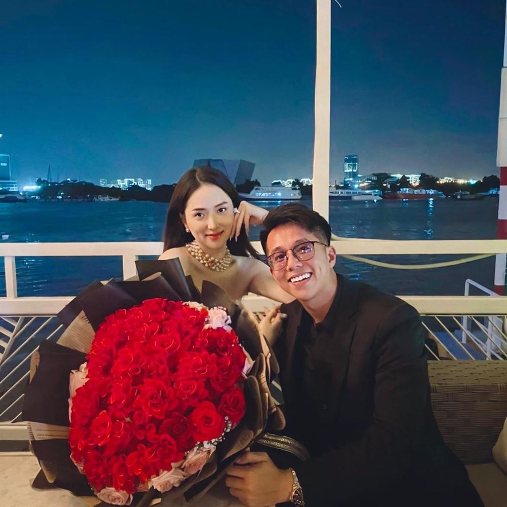 Hương Giang công khai đăng ảnh hôn môi Matt Liu không rời - Ảnh 4