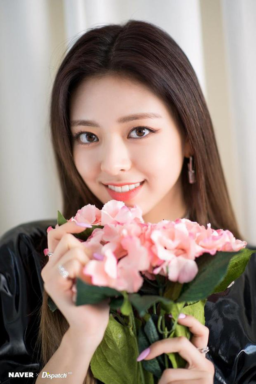 Top 5 idol nữ có đôi mắt đẹp nhất Kpop: Lisa (BLACKPINK) mê hoặc với vẻ đẹp long lanh, Jihyo (TWICE) thu hút mọi ánh nhìn - Ảnh 6