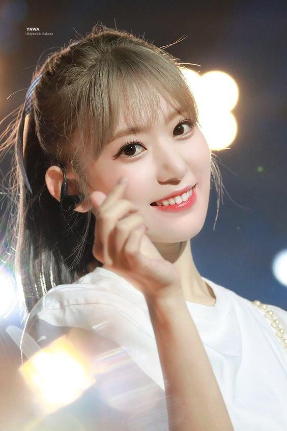 Top 5 idol nữ có đôi mắt đẹp nhất Kpop: Lisa (BLACKPINK) mê hoặc với vẻ đẹp long lanh, Jihyo (TWICE) thu hút mọi ánh nhìn - Ảnh 8