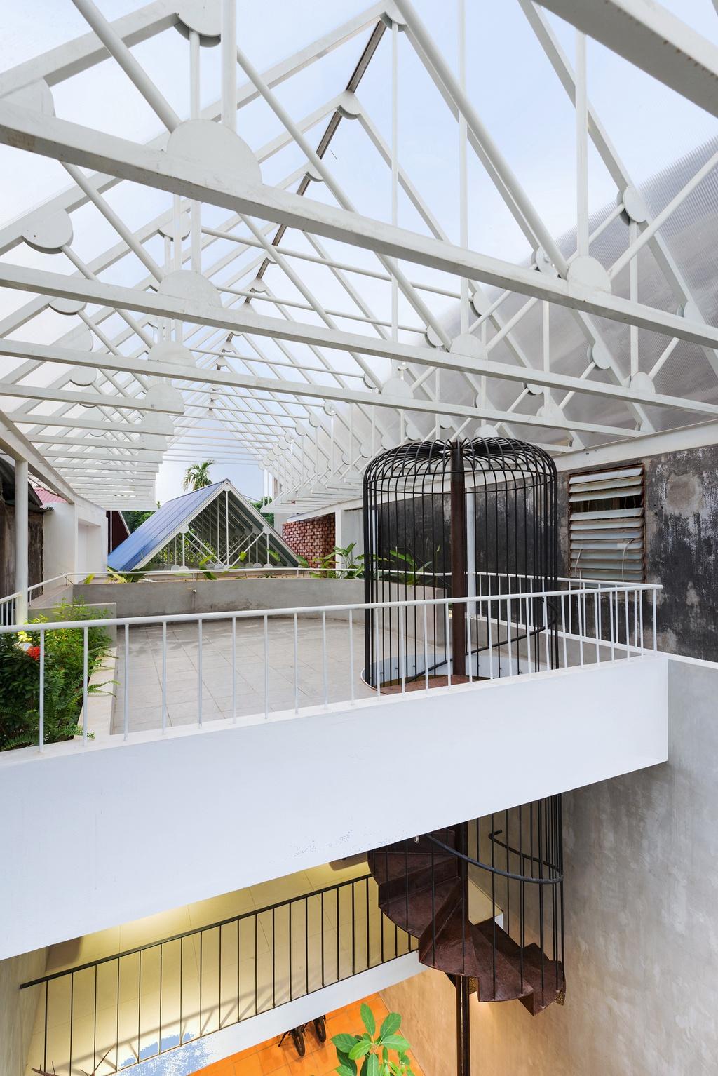 Nhà hình thang với khu vườn bí mật sau lớp mặt tiền - Ảnh 12