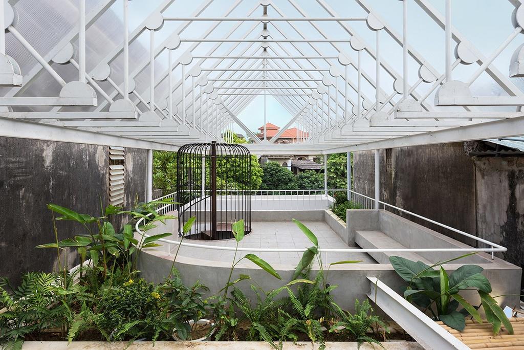 Nhà hình thang với khu vườn bí mật sau lớp mặt tiền - Ảnh 14