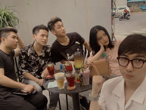 Bị bạn bè tag ảnh, dàn hot girl Việt lộ nhan sắc thật ra sao? - Ảnh 10