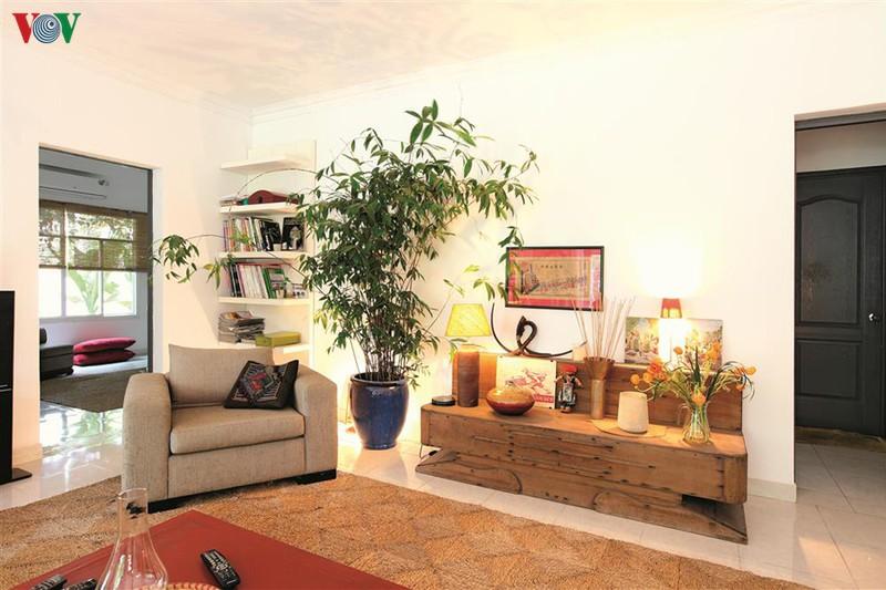Ngôi nhà có phong cách nhiệt đới lịch lãm - Ảnh 2