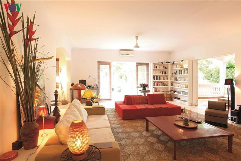 Ngôi nhà có phong cách nhiệt đới lịch lãm - Ảnh 3