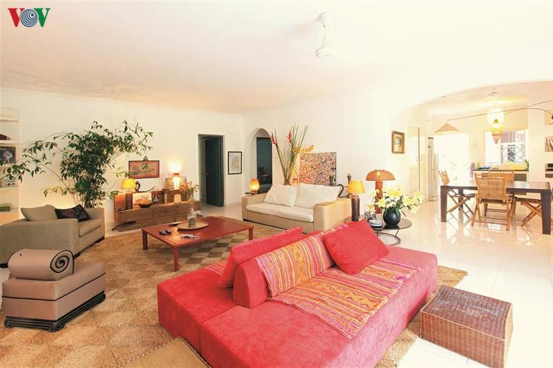 Ngôi nhà có phong cách nhiệt đới lịch lãm - Ảnh 1