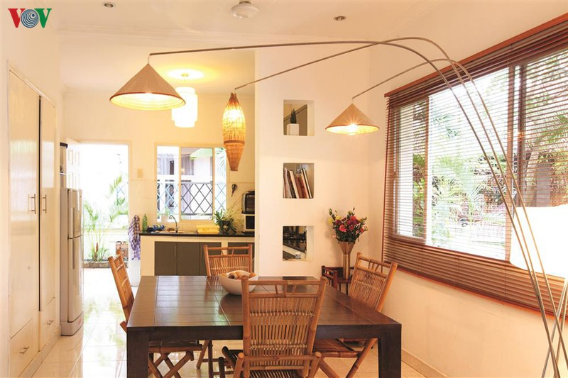 Ngôi nhà có phong cách nhiệt đới lịch lãm - Ảnh 6