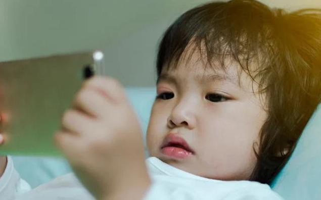 5 dấu hiệu cảnh báo trẻ có khả năng chậm phát triển, cha mẹ cần đưa con đi khám sớm - Ảnh 1