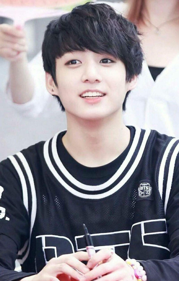 Những em út tài sắc vẹn toàn làng nhạc K-Pop debut ở tuổi 15 - Ảnh 1