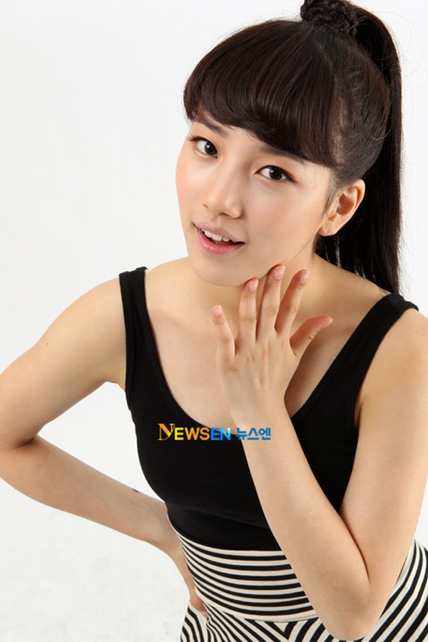 Những em út tài sắc vẹn toàn làng nhạc K-Pop debut ở tuổi 15 - Ảnh 3