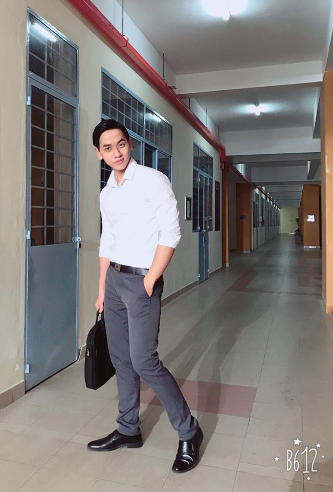 """4 thầy giáo dạy Toán """"hot"""" MXH: Người từ bỏ công việc IT, người đam mê diễn xuất - Ảnh 4"""