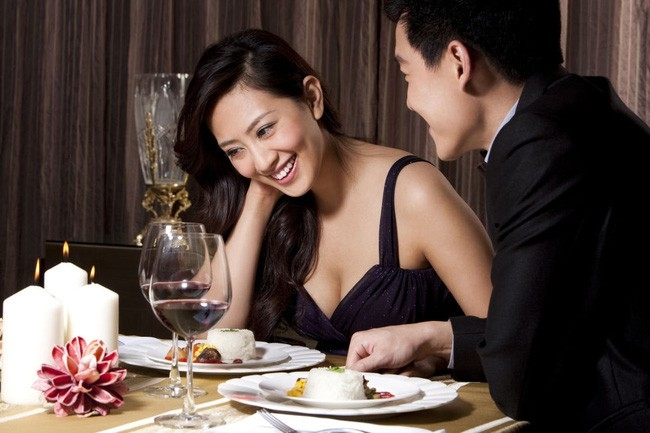6 mẹo 'nhỏ mà có võ' giúp buổi hẹn hò tại nhà trở nên lãng mạn như phim Hàn - Ảnh 1
