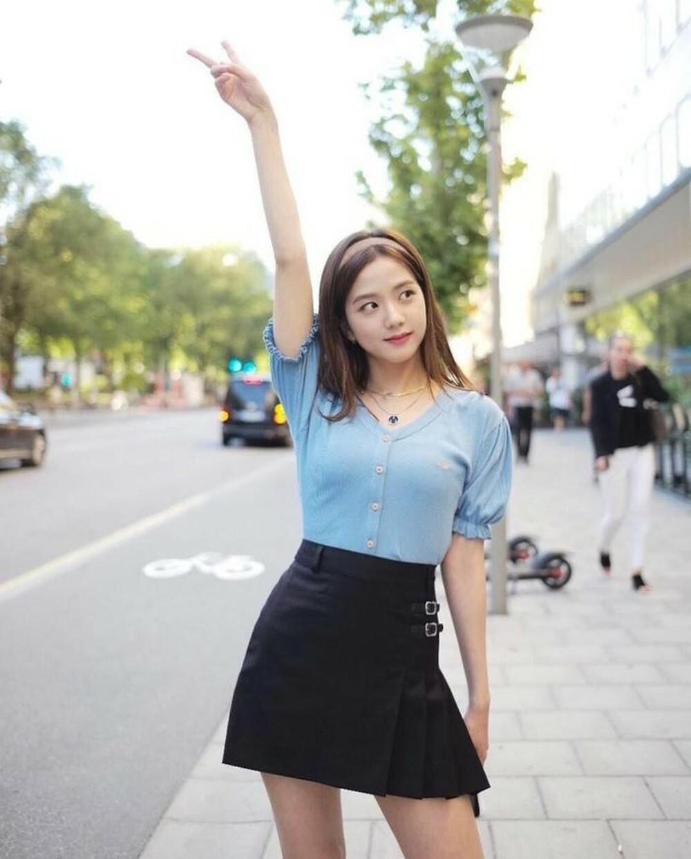 Những set đồ nữ sinh chuẩn high teen của idol Hàn - Ảnh 5