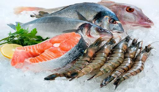 Ăn tôm, cá kiểu này dễ gây ngộ độc, mẹ tuyệt đối không được áp dụng với bé - Ảnh 1