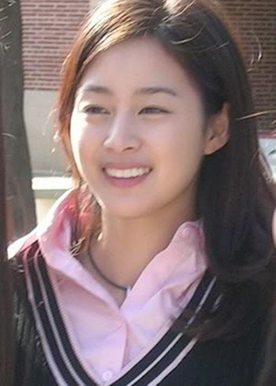 Mặt mộc của Song Hye Kyo, Son Ye Jin và những sao nữ - Ảnh 11