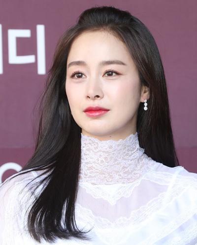 Mặt mộc của Song Hye Kyo, Son Ye Jin và những sao nữ - Ảnh 12