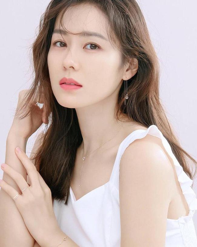Mặt mộc của Song Hye Kyo, Son Ye Jin và những sao nữ - Ảnh 2