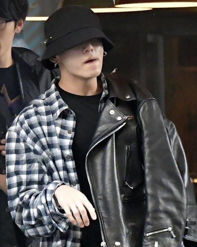 'Khí chất bạn trai' khi để mặt mộc tự nhiên của Jung Kook (BTS) - Ảnh 5
