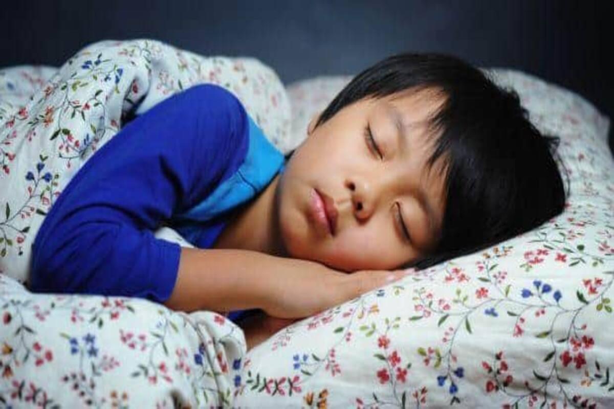 Ngủ không đủ giấc, gây hại: Muốn con khỏe mạnh, hãy quan tâm những điều này  - Ảnh 1