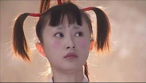 Tạo hình xấu điên đảo của sao phim Hoa ngữ vẫn không địch nổi hình ảnh 'lố quá đà' của Địch Lệ Nhiệt Ba  - Ảnh 5