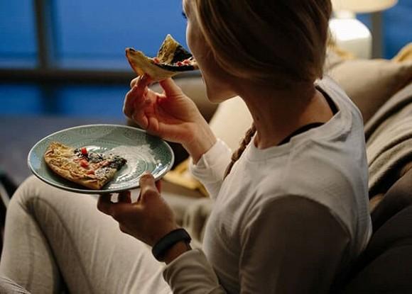 Bí mật giúp tăng tuổi thọ: Vào buổi tối áp dụng 'hai không, ba kiên trì', bệnh tật tự khắc tránh xa - Ảnh 1
