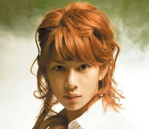 Những kiểu tóc quái dị khiến thần tượng Kpop bị chỉ trích - Ảnh 5