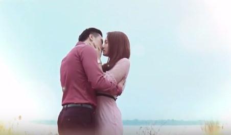 Không chỉ Khuê 'Hoa hồng trên ngực trái', nhiều nữ chính trên phim Việt vẫn 'đắt giá' dù đã qua 1 lần đò - Ảnh 11