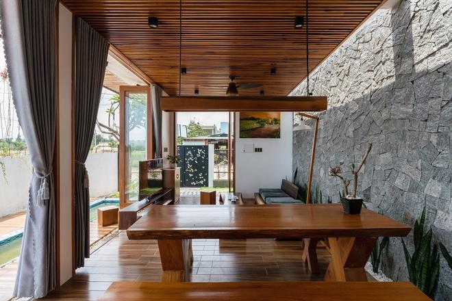 Ngôi nhà có cả một kênh nước bên trong chống nóng - Ảnh 4