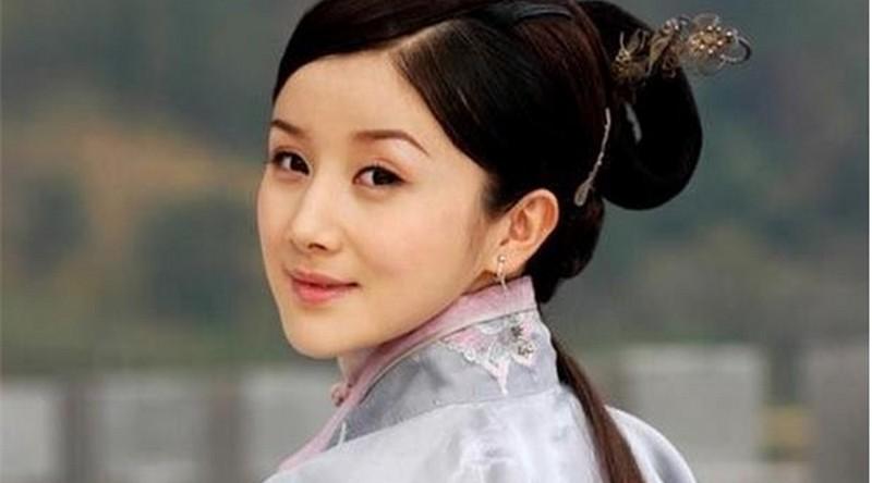 Mặt biến dạng vì lạm dụng dao kéo, sao nữ Hoa ngữ khiến fan nuối tiếc vẻ đẹp trong sáng ngày xưa - Ảnh 9