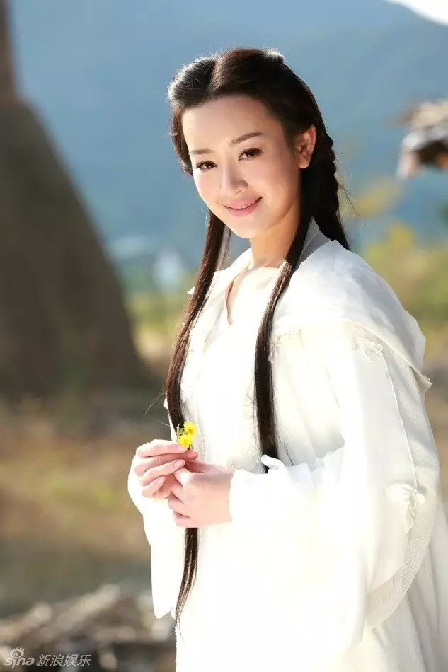 Mặt biến dạng vì lạm dụng dao kéo, sao nữ Hoa ngữ khiến fan nuối tiếc vẻ đẹp trong sáng ngày xưa - Ảnh 3