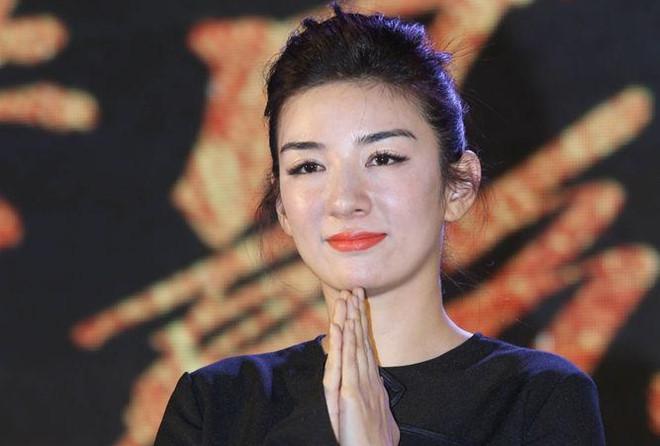 Mặt biến dạng vì lạm dụng dao kéo, sao nữ Hoa ngữ khiến fan nuối tiếc vẻ đẹp trong sáng ngày xưa - Ảnh 6
