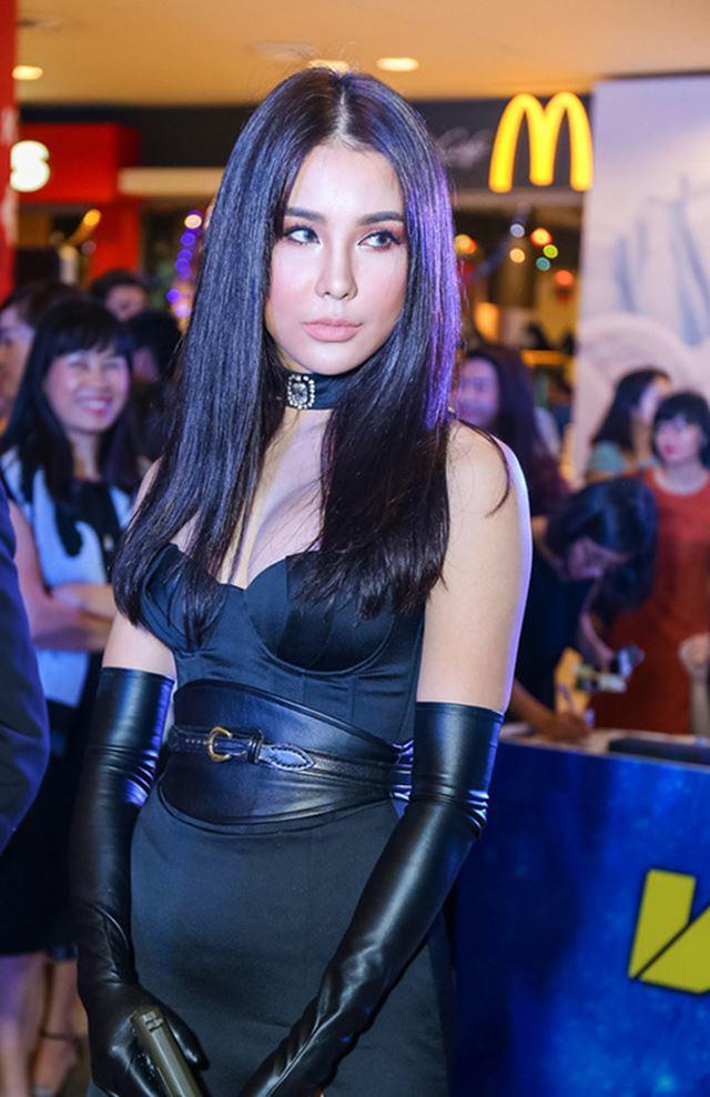 3 mỹ nhân Việt khiến fan trầm trồ bởi nhan sắc ngày càng lên hương sau phẫu thuật thẩm mỹ - Ảnh 16