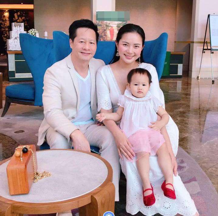 Lý do sao Việt chưa tổ chức đám cưới dù đã có con chung - Ảnh 1