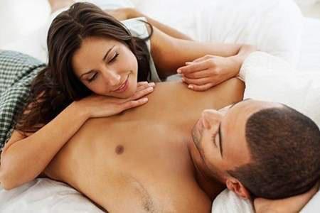 Vợ biết được bí mật này khi 'yêu', chồng lúc nào cũng chỉ muốn chuyện 'ấy' - Ảnh 1