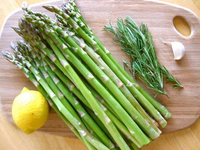 8 tác dụng của măng tây: Chị em ăn có thể giảm cân, chồng ăn tăng cường sinh lực - Ảnh 1
