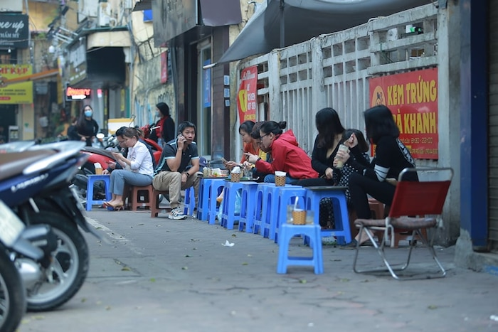 Hà Nội yêu cầu tất cả quán cafe, nhà hàng, phòng gym tạm đóng cửa đến hết ngày 5/4 - Ảnh 3