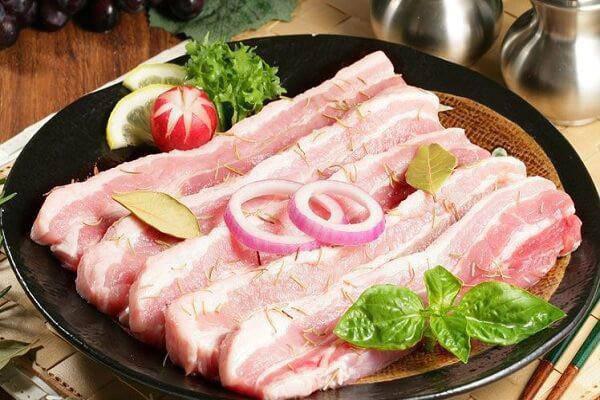 Sườn, thịt lợn có những dấu hiệu này chớ có ăn kẻo 'ân hận mấy cũng muộn' - Ảnh 1