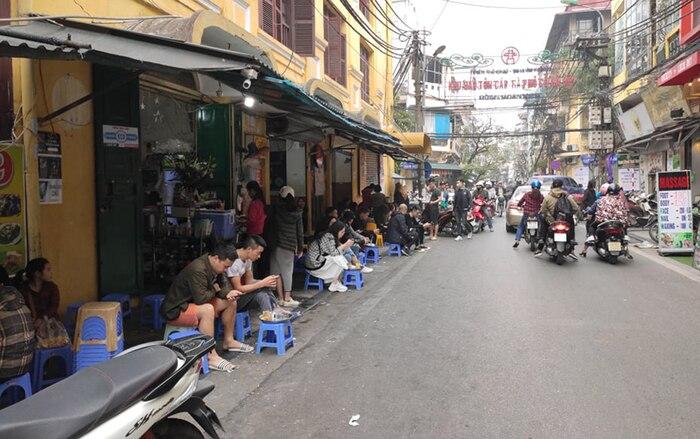 Hà Nội yêu cầu tất cả quán cafe, nhà hàng, phòng gym tạm đóng cửa đến hết ngày 5/4 - Ảnh 2