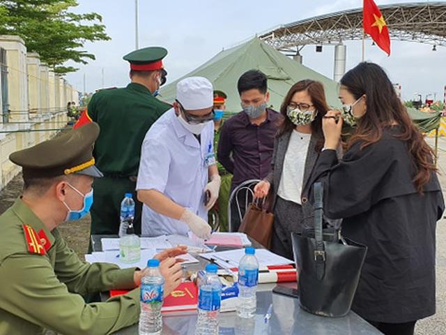 Gần 400 bệnh nhân Hải Phòng đã đến Bệnh viện Bạch Mai trong tháng 3 - Ảnh 1
