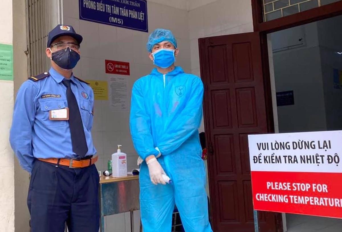 Gần 5.000 nhân viên, bệnh nhân Bạch Mai bắt buộc xét nghiệm nCoV - Ảnh 1