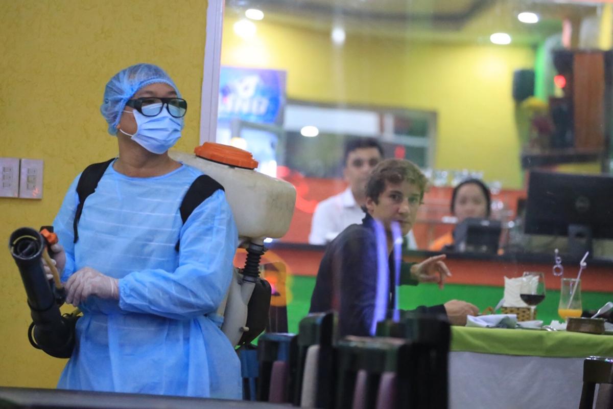 Hơn 100 y bác sĩ viết đơn xin đi tuyến đầu chống dịch - Ảnh 2