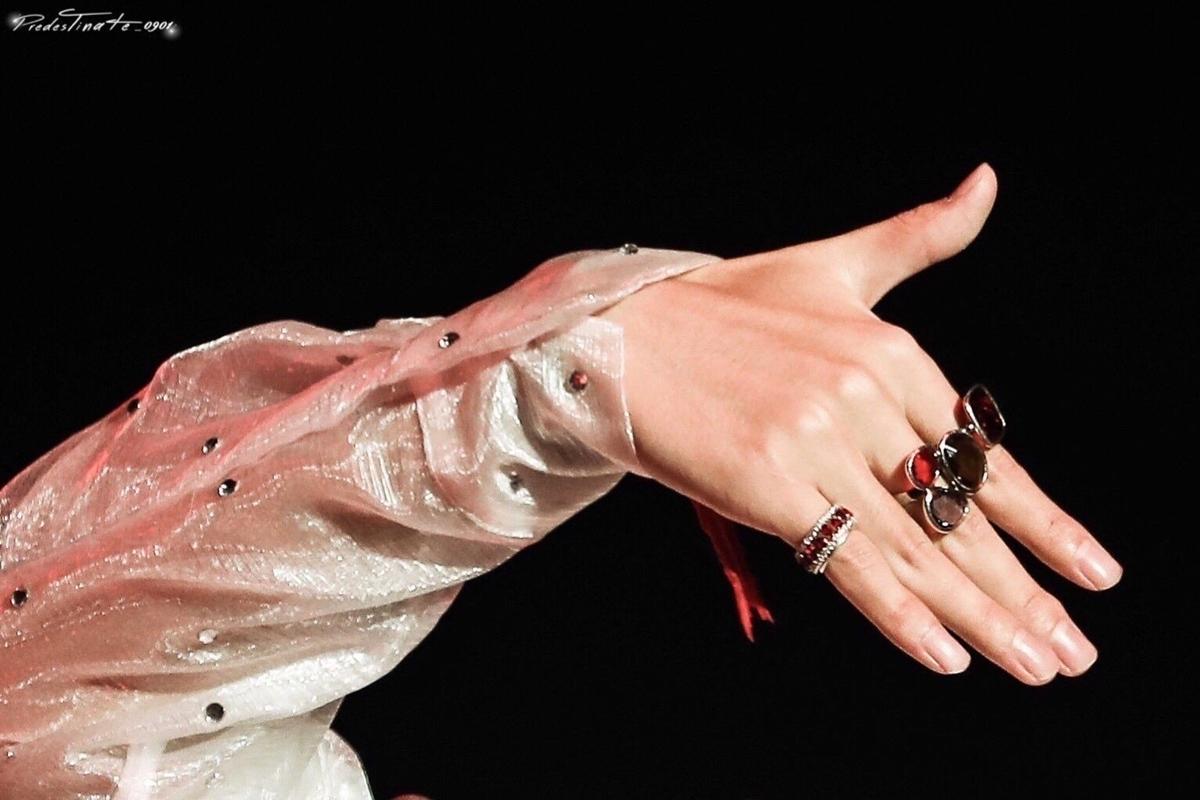 Bí quyết đằng sau bàn tay 'đẹp hơn cả con gái' của V (BTS) - Ảnh 4